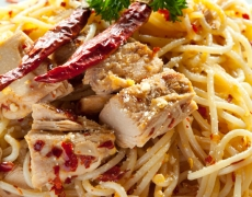 spaghetti toena pedas